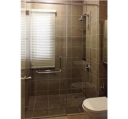 Shower Screen 04