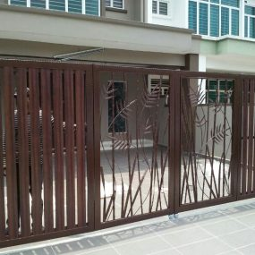 Stainless Steel Entrance Gate 18