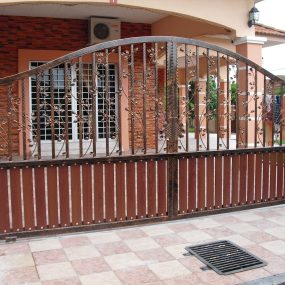 Stainless Steel Entrance Gate 06